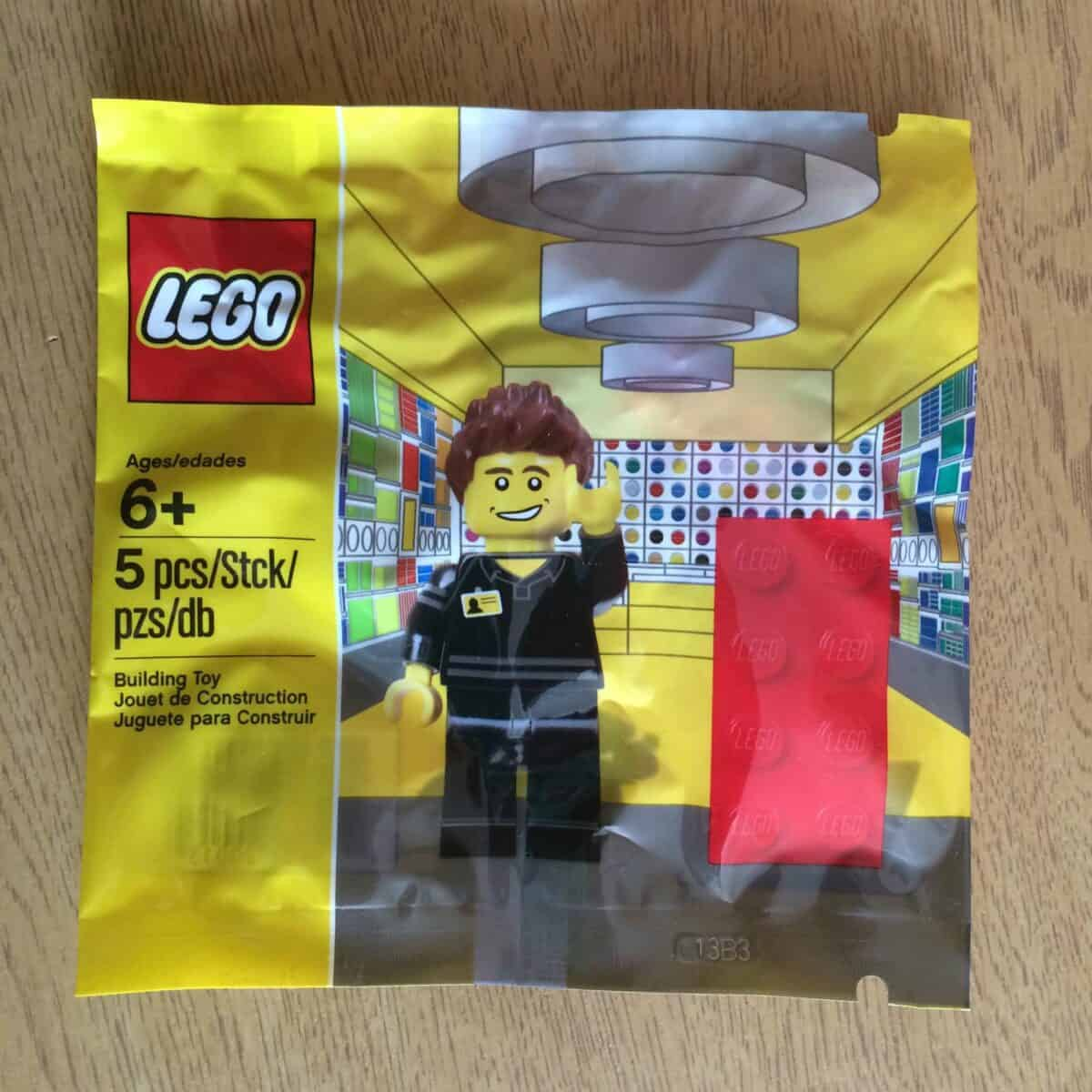 LEGO Set 5001622-1 Lego Store Employee Polybag