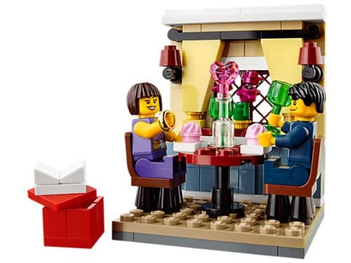 2015 Seasonal LEGO Set 40120 Valentines Day Dinner Proposal